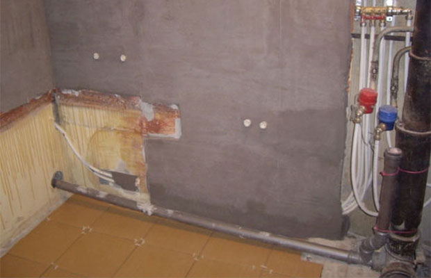 Штукатурка стен в ванной – стоит ли овчинка выделки?