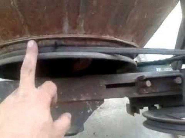 Шкив расположен прямо на корпусе смесительной бадьи