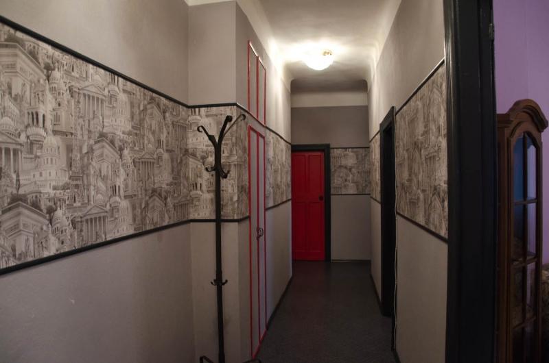 отделка стен в прихожей