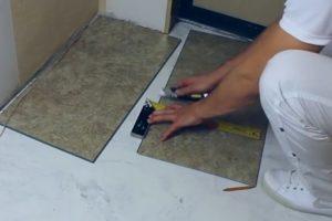 Шаг 7 – резка кварцвиниловой плитки