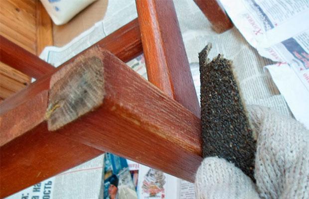 Подготовительные работы – очистка мебели и подбор подходящих материалов