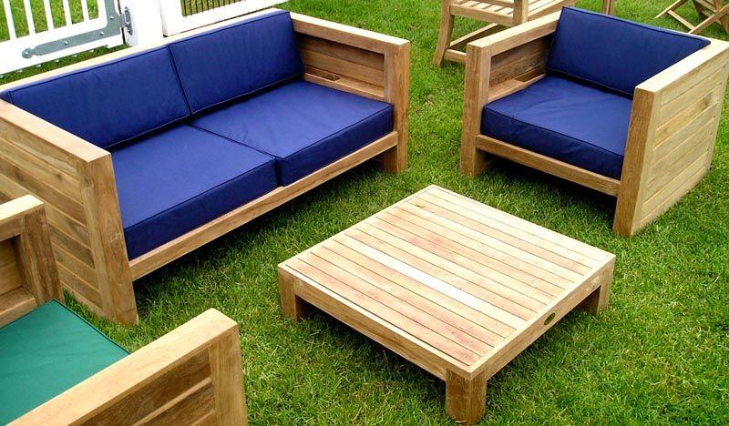 Для удобства конструкции можно использовать подушки из обивочной ткани