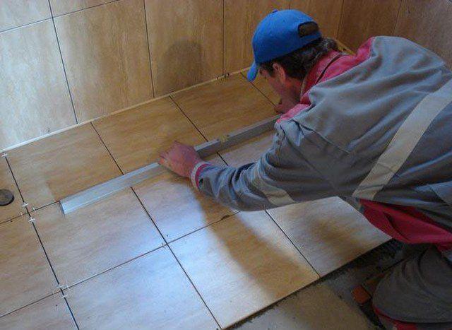 Обязательно контролируется каждая уложенная плитка