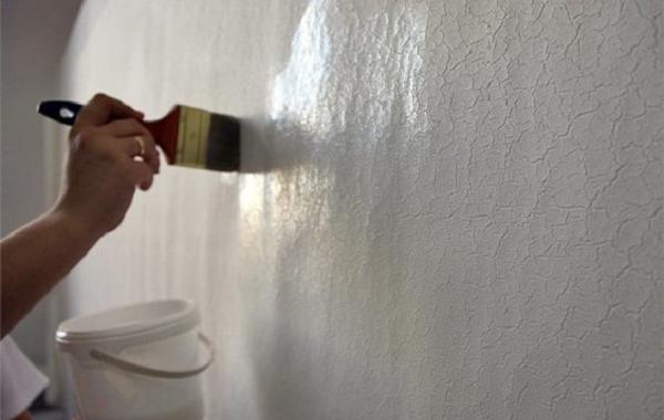Как покрасить стены водоэмульсионной краской без разводов