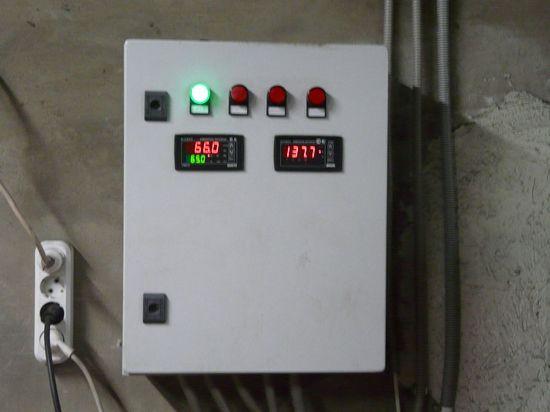 Блок автоматики (подклчен насос и датчики)
