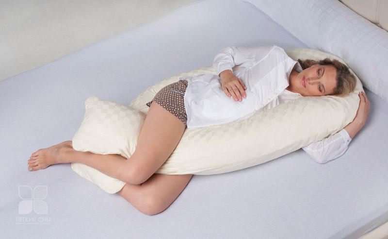 Как научиться делать декоративные подушки своими руками: 40 креативных фото в интерьере