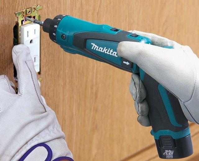 Электрические отвертки особо удобны для выполнения мелких крепежных операций