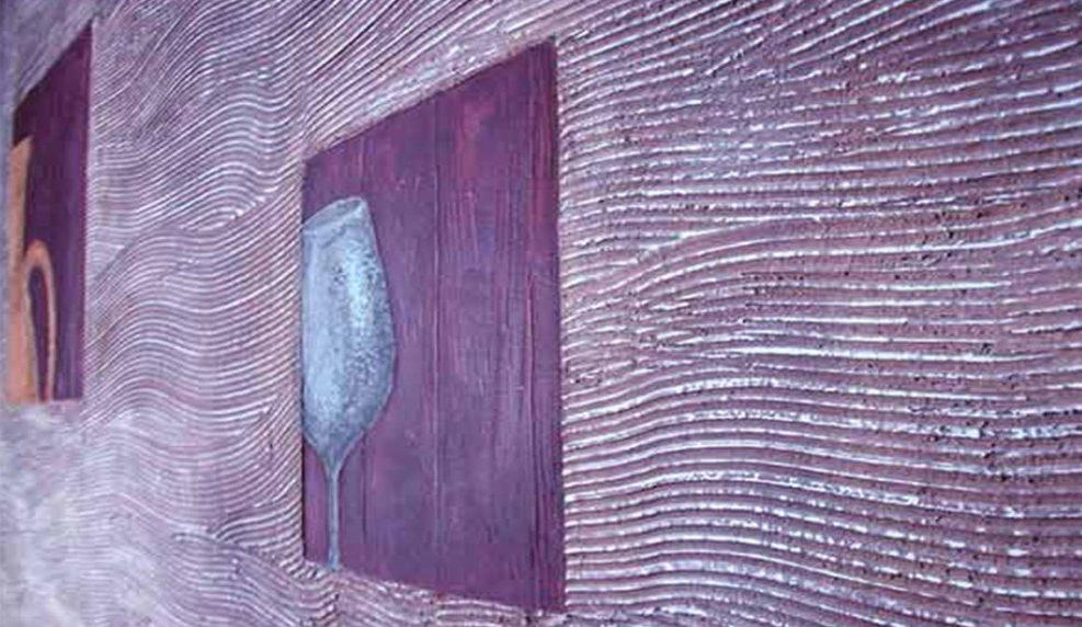 Креативные стены с помощью нанесения декоративной штукатурки