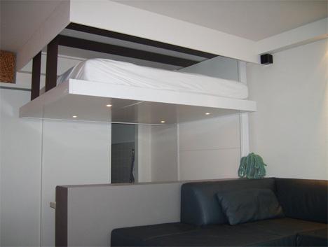 Французская кровать под потолок