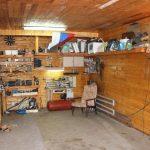Грамотно обустроенная рабочая зона в гараже