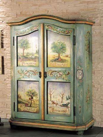 Художественная роспись по старой мебели.