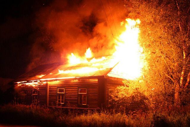 Неудовлетворительное состояние электропроводки - наиболее частая причина пожаров
