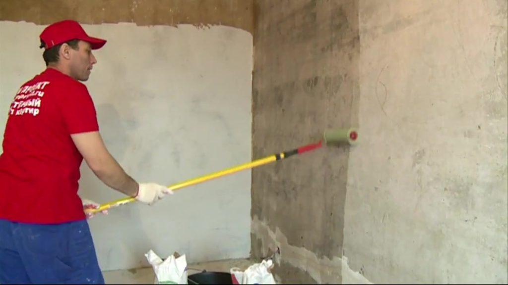 нужно ли грунтовать стены перед шпаклевкой
