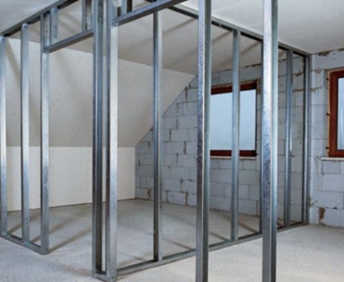 Устройство дверного проема в конструкции перегородки