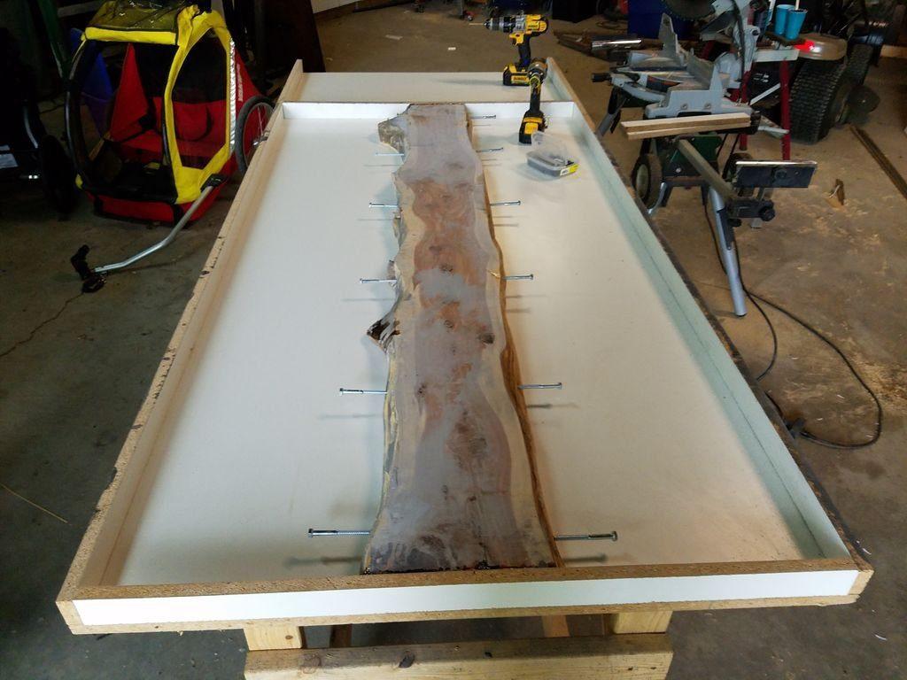 Подготовка формы для бетонной столешницы