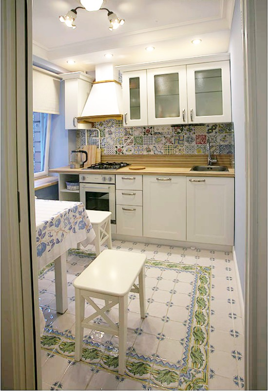 Пример освещения маленькой кухни
