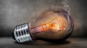 Перегорают лампочки