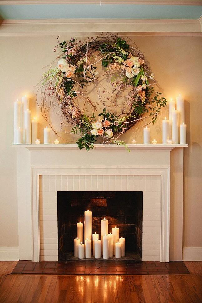 Фальш портал с оформлением топки свечами