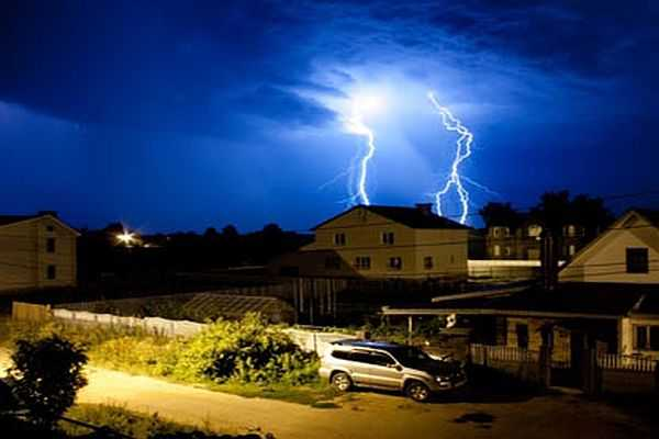 На дачах высока вероятность попадания молнии