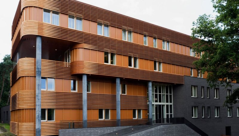 retro-wooden-facade-cladding
