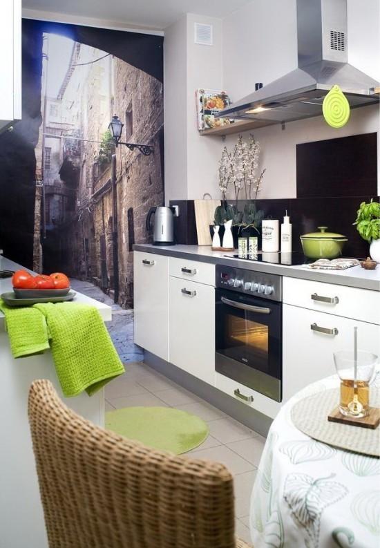 Фотообои на маленькой кухне