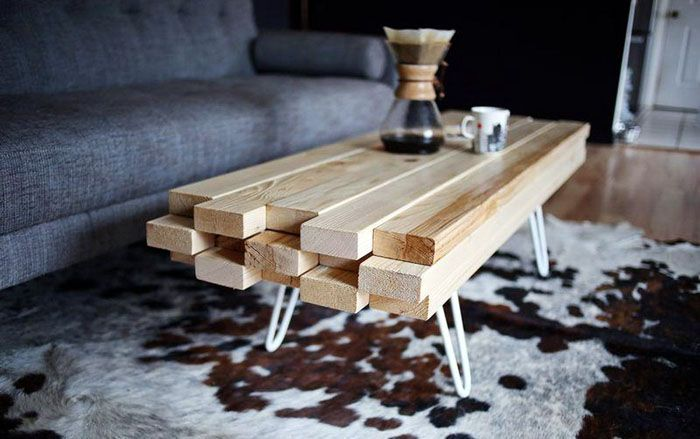 Сделать оригинальный журнальный столик можно и из реек, и из брусков