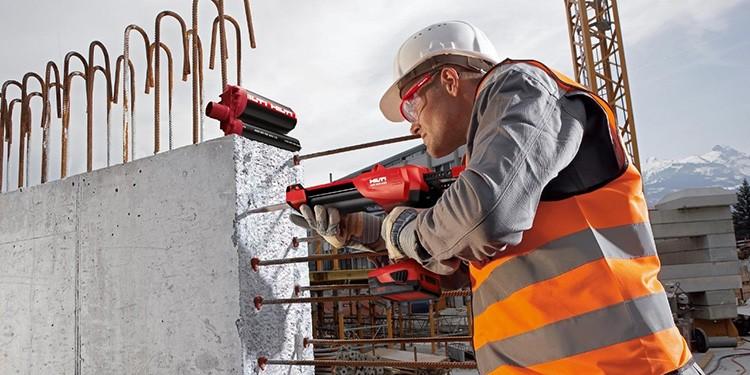 Жидкие анкеры используют для крепления несущих частей каркаса к фундаменту быстровозводимого здания