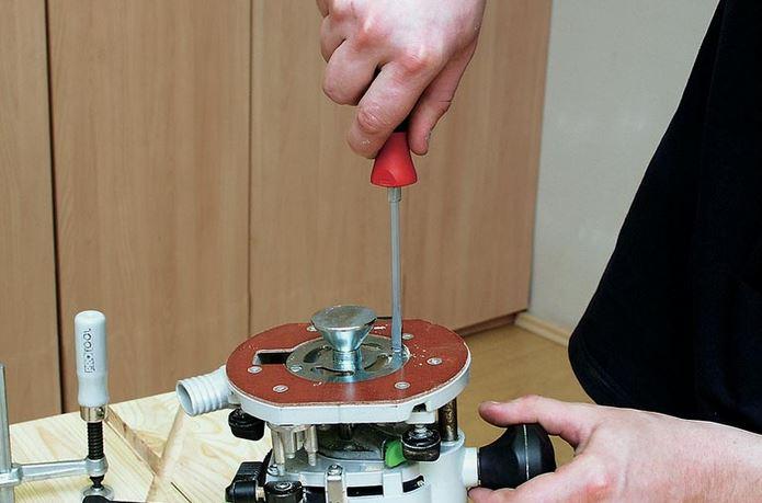 копировальная втулка устанавливается на фрезер