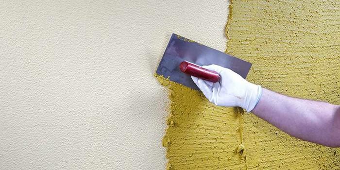 Нанесение вещества на стену
