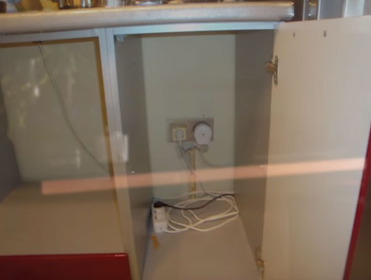 подключение духовки и варочной в соседнем шкафчике