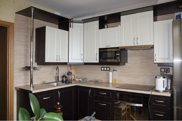 задачей спрятать трубу от вытяжки на кухне фото интуитивно чувствовала, головой