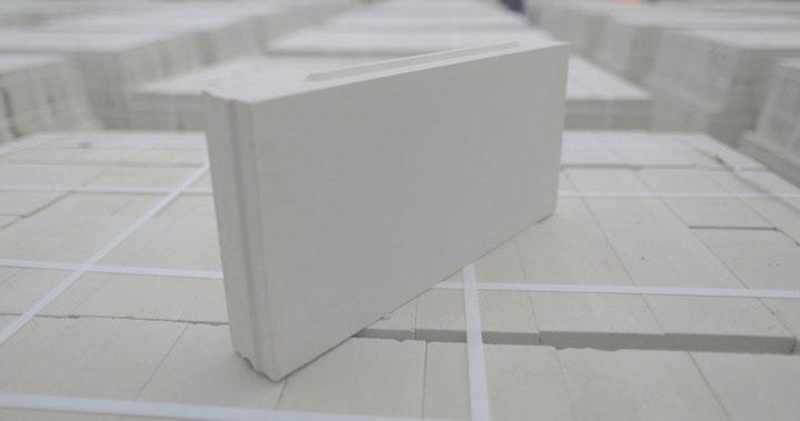 2. Силикатные пазогребневые плиты