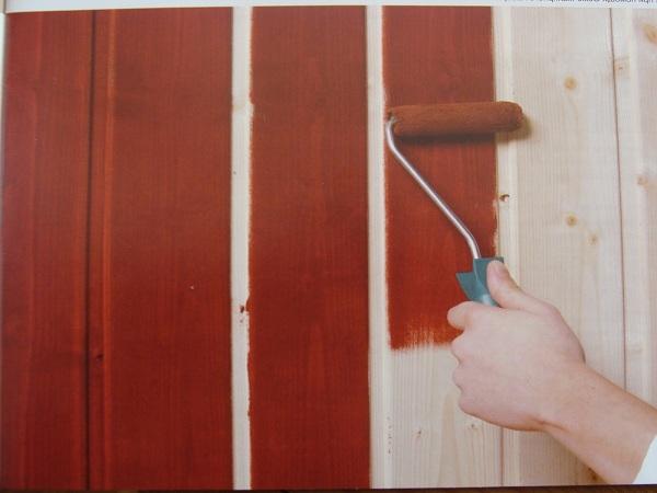 Фото: покраска деревянной поверхности