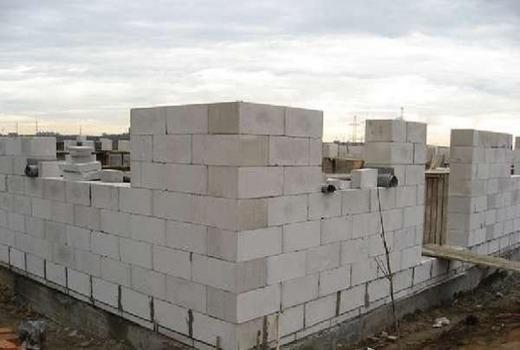 Кладка блоков из газобетона