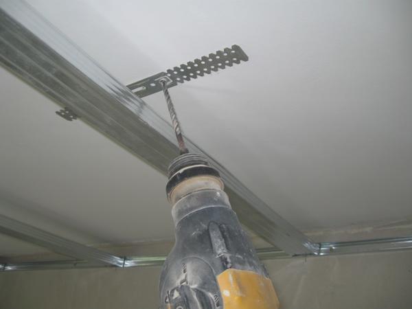 Что нужно для крепления гипсокартона к потолку