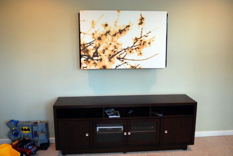 Как спрятать провода от телевизора на стене: 3 способа решения проблемы