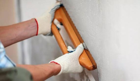 Чем лучше штукатурить стены в квартире своими руками: какую штукатурку выбрать