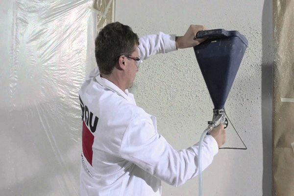 При работе с картушным пистолетом стоит учитывать, что расстояние между устройством и стеной должно быть 30 см