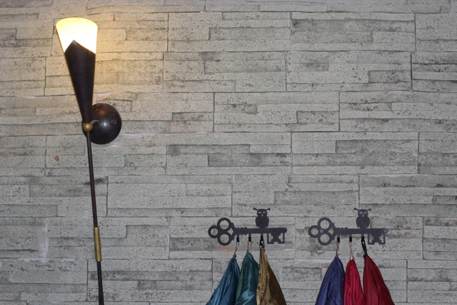 Гипсовая плитка: внутренняя отделка своими руками под кирпич, камень и плитку (105 фото)