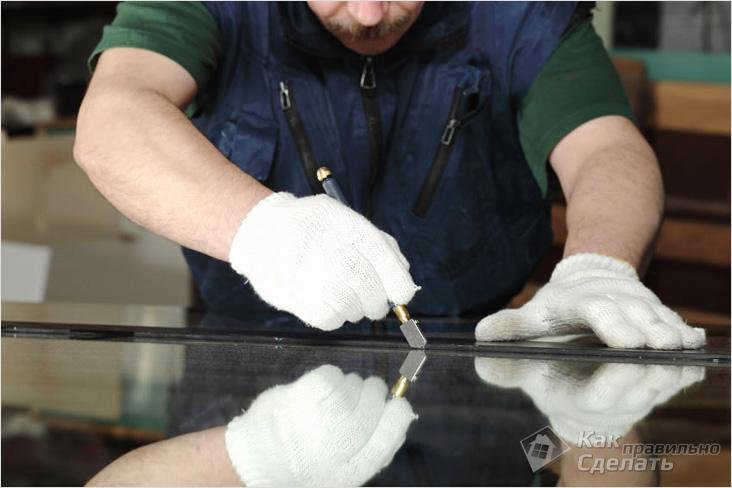 Как резать стекла стеклорезом