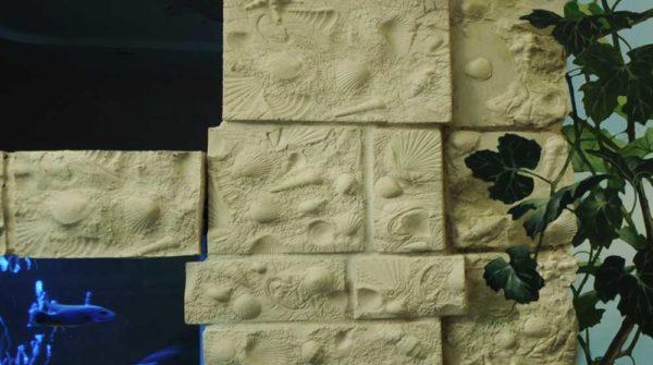Можно сделать и такие формы: имитация кирпича с морскими мотивами