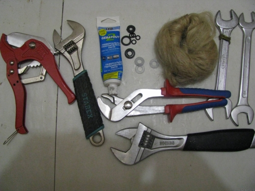 Инструменты для установки бойлера