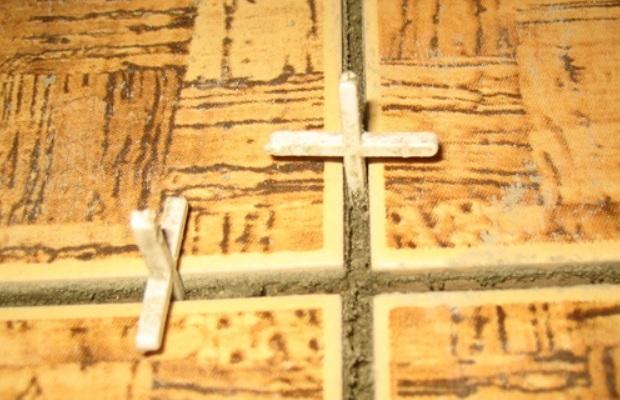 В швы крестики следует устанавливать строго вертикально