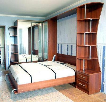 Кровать в шкафу
