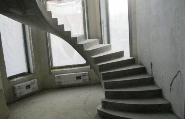 Лестница — сложная строительная конструкция, особенно бетонная