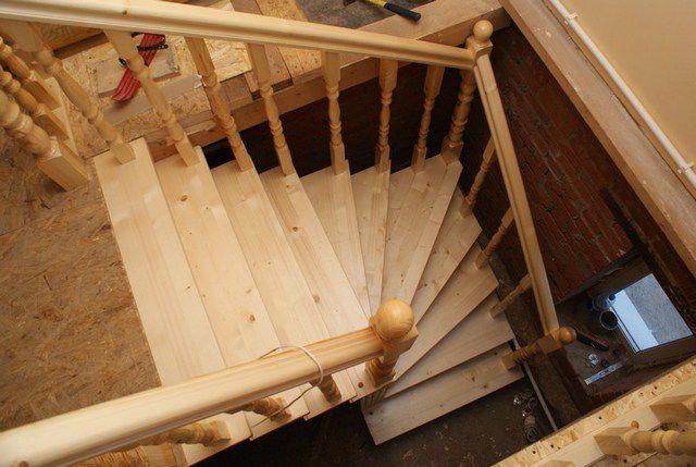 Забежные ступени четвертьоборотной лестницы
