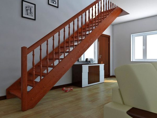 Маршевая лестница занимает много места, но зато более удобная и безопасная в эксплуатации