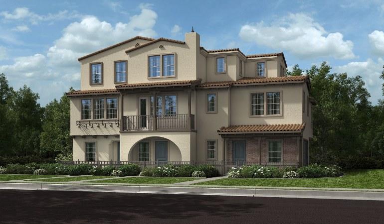 Красивый дом с оштукатуренным фасадом