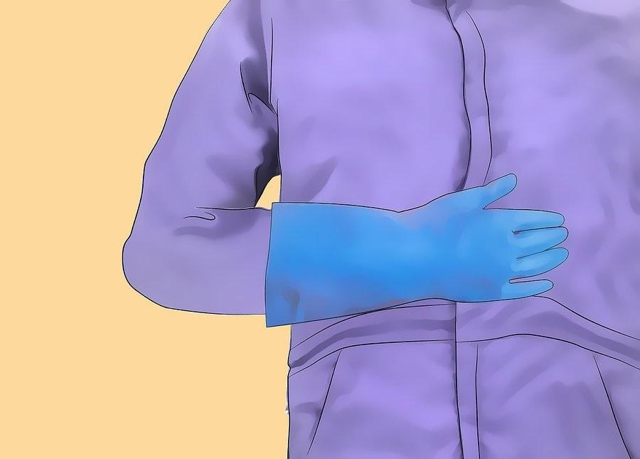 Наденьте спецодежду и резиновые перчатки