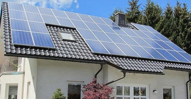 Для получения действенного эффекта и солнечный коллектор, и батарея должны иметь весьма внушительную площадь.